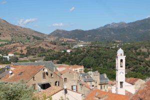 Corte, stad bland bergen