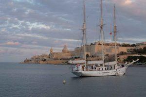 Tremastad skönhet i Marsamxett harbour, Valletta