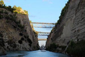 Broar över Korinthkanalen